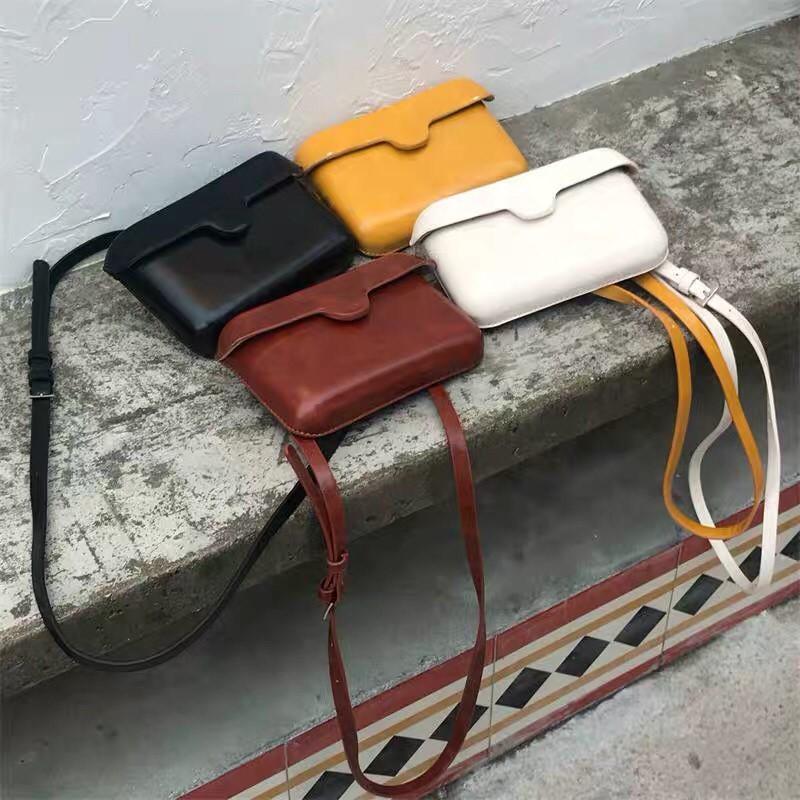 仿牛皮復古系硬板時髦百搭手機包斜背小包肩背小包出國必備護照包