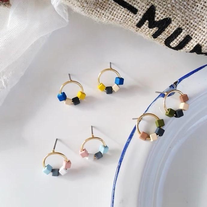 粉嫩糖果色氣木質方塊設計縷空圓型小巧精緻耳釘韓國貼耳耳環