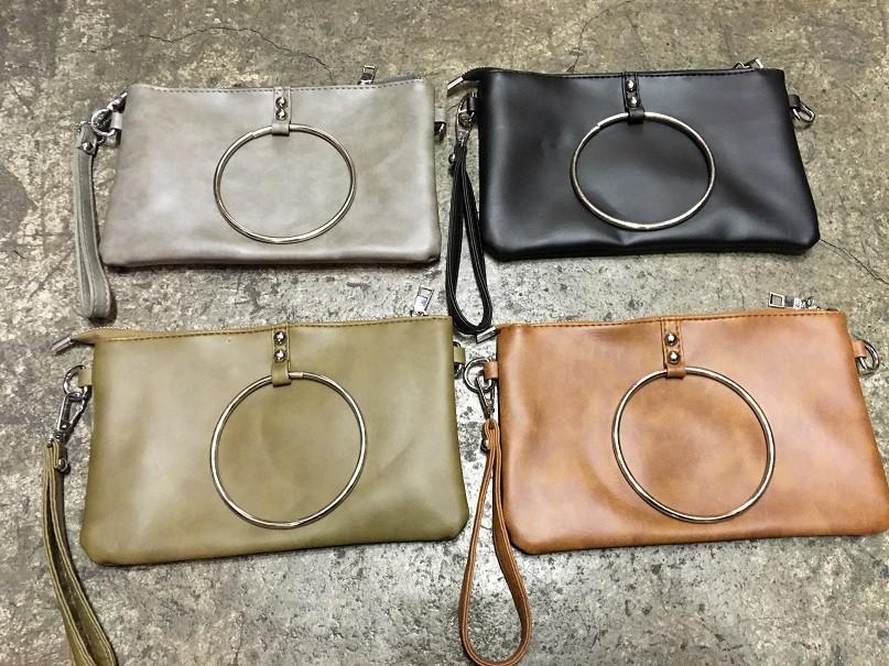 韓國系信封包手拿大鐵環多功能復古學院手機包手拿包斜背肩側背包