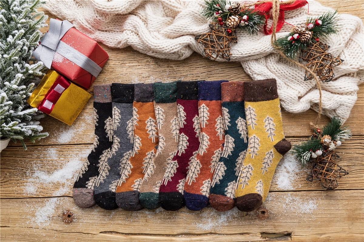 冬季限定學院風復古配色厚版聖誕樹設計中筒襪