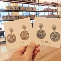 韓國氣質白色珍珠耳釘耳環金屬錢幣造型垂墜耳環夾式耳環
