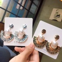 個性率性金屬珍珠幾何圖形歐美風格耳釘耳環半圓形設計款夾式耳環