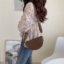 韓國新款復古鱷魚紋半圓女包寬肩帶單肩包斜背包特色造型熱賣女包