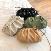 韓國熱賣款雲朵造型優雅小包雲朵包餃子包肩背包側背包大開口質感小包