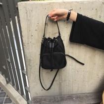 韓國尼龍材質束口開關小水桶包手提小包單肩包側背女包出國必備出遊必備