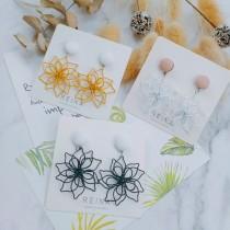韓國設計款立體花瓣縷空花朵造型耳釘耳環氣質優雅文青花朵垂墜耳環