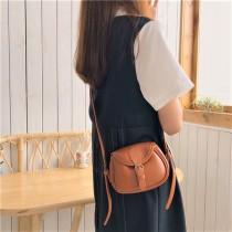 新款復古學院風翻蓋式可愛熱賣款小包斜背小包肩背女包