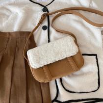 秋冬新款方形羊羔毛翻蓋拼接皮革學院風斜背包肩背包女包可愛小包
