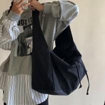 韓國斜背包黑色尼龍布包收口休閒百搭大包大容量時尚單肩女包水餃包