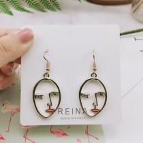 金屬人臉紅唇縷空造型耳環設計款創意夾式耳環