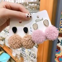 馬可龍色仿羊毛立體毛球可愛甜美造型貼耳耳釘垂墜耳環