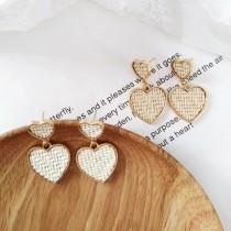 日系設計款愛心耳釘愛心造型耳環文青氣質垂墜飾品