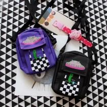 潮流創意外星人萬用小包手機包斜背包肩背包