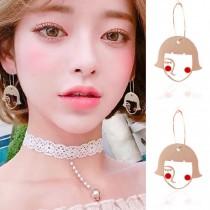 韓國設計款臉紅紅腮紅短髮少女簍空金屬造型圈圈耳環